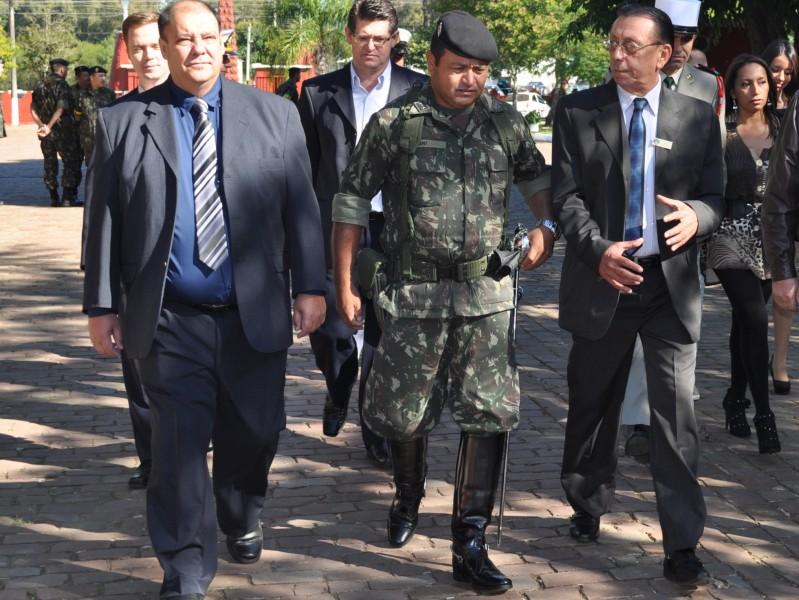ef30f878a32c1 Presidente da Câmara participa da entrega da boina preta no ...